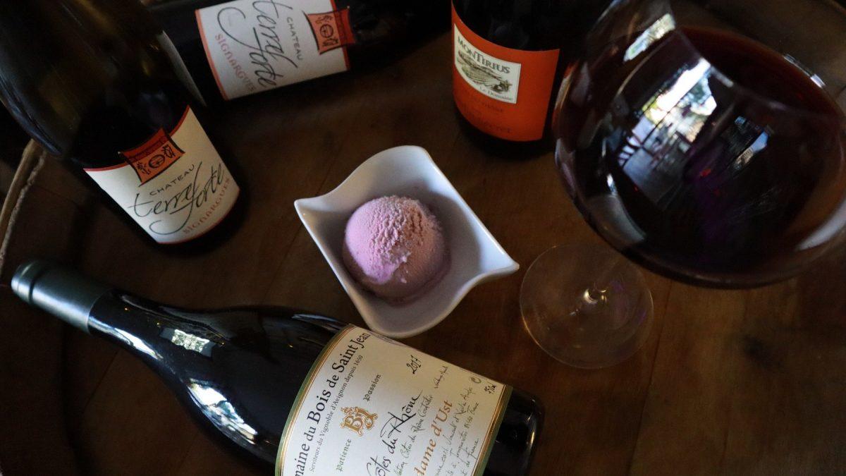 Víno a zmrzlina v Karlíně