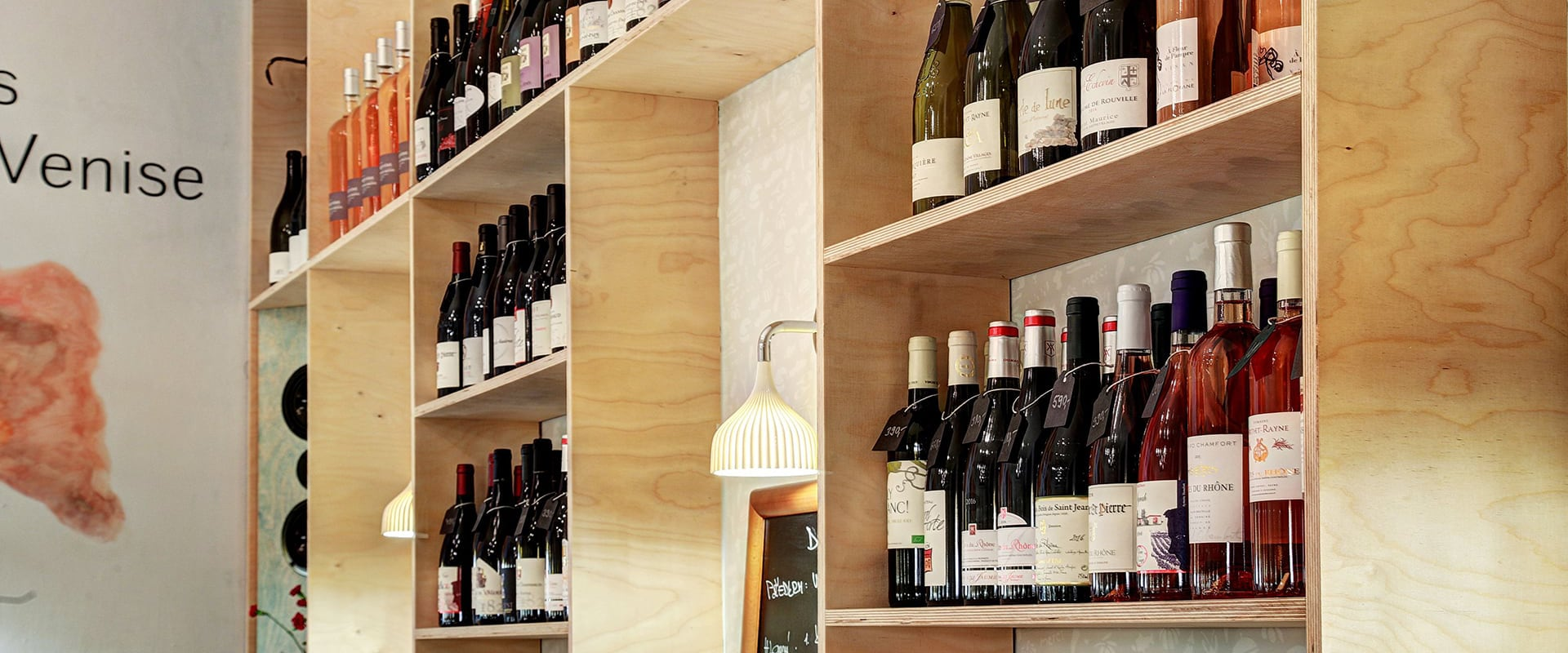 vína a vinotéka Na břehu Rhôny